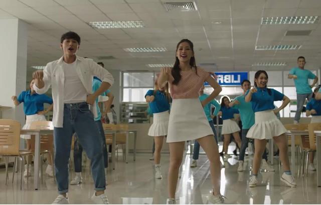 Isaac và Chi Pu lại khiến fan ngây ngất với MV Janus lung linh - Ảnh 5.