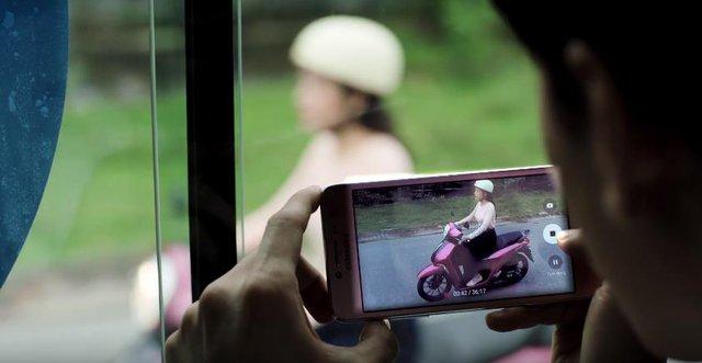 Isaac và Chi Pu lại khiến fan ngây ngất với MV Janus lung linh - Ảnh 7.