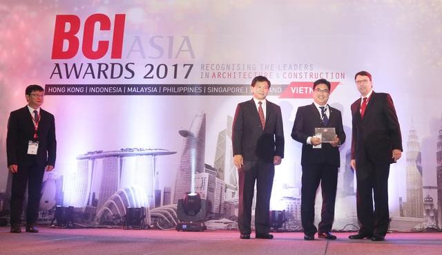 Tập đoàn Novaland vinh dự nhận giải giải thưởng BCI Asia Awards 2017 - Top 10 Chủ đầu tư Bất động sản tốt nhất Việt Nam 2017.