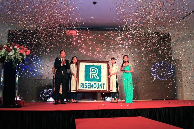 Chính thức ra mắt thương hiệu Risemount trước sự chứng kiến của hàng trăm vị khách quốc tế và doanh nhân Đà Nẵng.