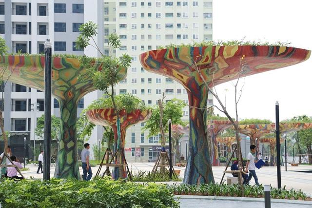 Không gian xanh mát, thoáng đãng trong khuôn viên quảng trường Ruby của dự án TNR Goldmark City (136 Hồ Tùng Mậu, Q.Bắc Từ Liêm, Hà Nội).
