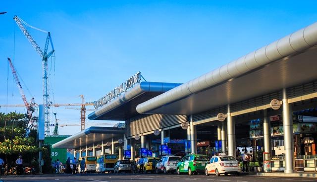 Cảng hàng không quốc tế Cam Ranh đang được triển khai nâng cấp mở rộng.