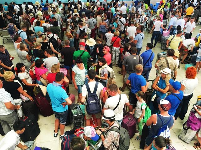 Lượng khách quốc tế đến Khánh Hòa tăng hơn 80% so có cộng kỳ trong 6 tháng đầu năm 2017.