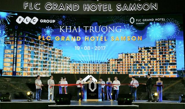 Lãnh đạo 1 số cơ quan, ban, ngành, chính quyền trung ương và địa phương, Tập đoàn FLC và ban quản lý khách sạn thực hiện nghi thức khai trương FLC Grand Hotel Samson.