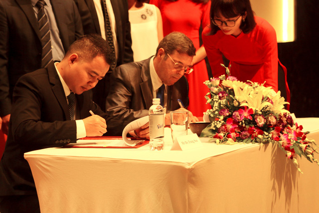 Buổi lễ ký kết diễn ra thành công tốt đẹp mở ra 1 thời cơ hợp tác trọn vẹn, bền vững và lâu dài giữa VGS và Dragon Holdings.