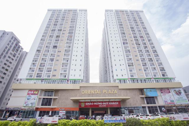 Oriental Plaza tọa lạc ngay mặt các con phố Ân Cơ, ngay trong khu dân cư đã đi vào vận hành.