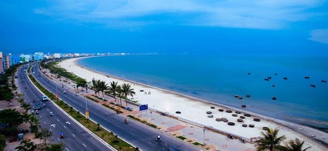 Sở hữu 1 trong 1 số bãi biển đẹp và lãng mạn nhất địa cầu, khu vực bãi biển Mỹ Khê đang là tâm điểm được giới đầu tư BDS quan tâm.