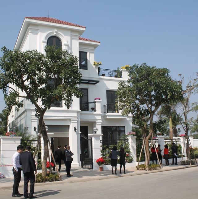 Biệt thự thực tế của dự án đã hoàn thiện và tiếp đón hàng trăm lượt khách thăm quan mỗi tuần.