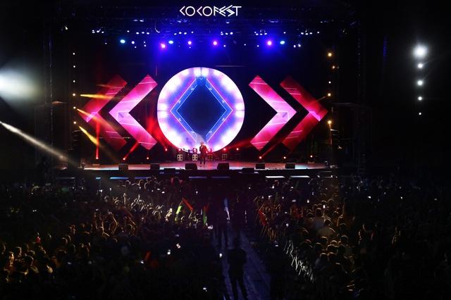 Coco Música Resort sở hữu những quán bar ấn tượng và sân khấu hoành tráng.