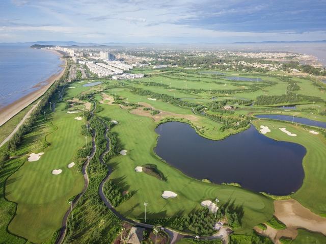 Những bật mí Thứ nhất về công trình liên hoàn sân golf 18 hố ven biển ở Quảng Bình - Ảnh 1.