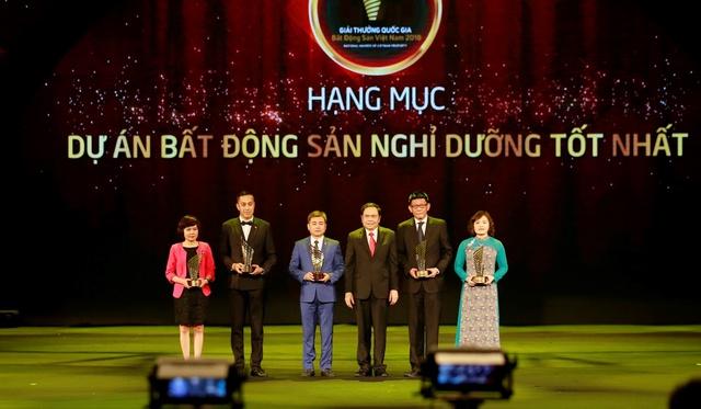 Tập đoàn FLC đoạt giải Nhà phát triển nhà đất danh tiếng nhất Việt Nam năm 2018 - Ảnh 1.