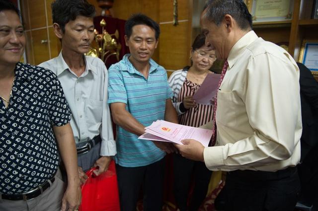 Phúc Khang trao sổ đỏ cho bạn Dự án Phước An - Nhơn Trạch – Đồng Nai - Ảnh 1.