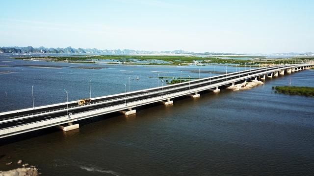 Thông xe xa lộ Hạ Long – Hải Phòng: Hạ Long đâyn thời cơ đầu tư mới - Ảnh 1.