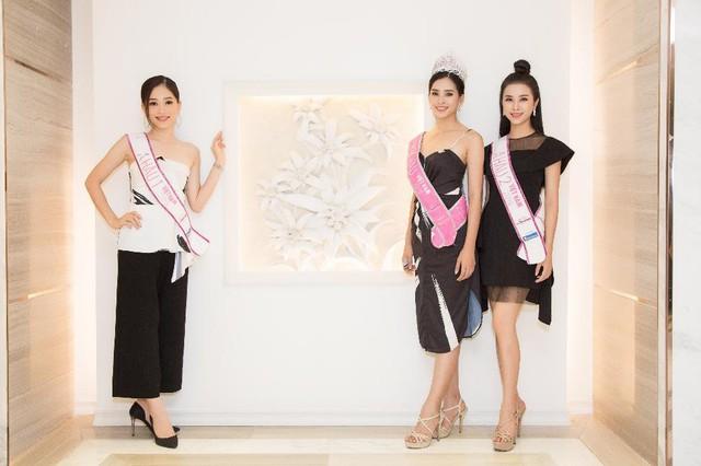 """Top 3 Hoa Hậu Việt Nam 2018 trở lại """"Ngôi nhà chung"""" Léman Luxury Apartments trước khi chia tay nhau - Ảnh 1."""