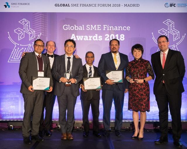 IFC bình chọn VPBank là 1 trong ba ngân hàng có dịch vụ dành cho một số công ty SME tốt nhất châu Á - Ảnh 1.