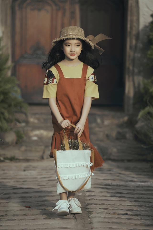 Mẫu nhí biến hóa đa dạng tại tuần lễ thời trang trẻ em Việt Nam - Ảnh 6.