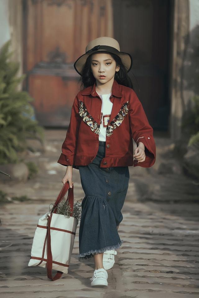 Mẫu nhí biến hóa đa dạng tại tuần lễ thời trang trẻ em Việt Nam - Ảnh 8.