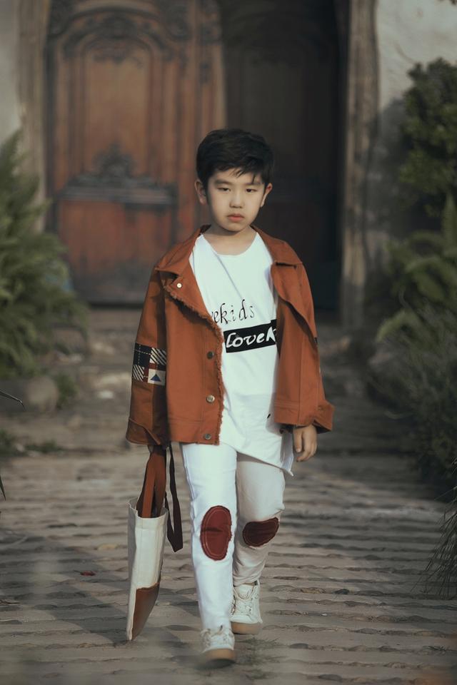 Mẫu nhí biến hóa đa dạng tại tuần lễ thời trang trẻ em Việt Nam - Ảnh 10.