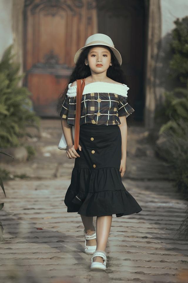 Mẫu nhí biến hóa đa dạng tại tuần lễ thời trang trẻ em Việt Nam - Ảnh 11.