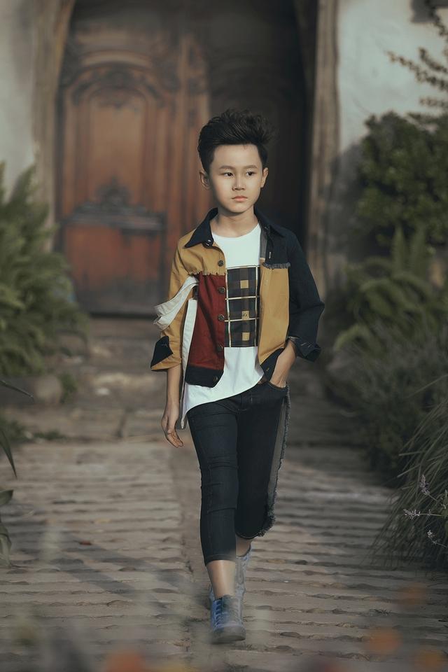 Mẫu nhí biến hóa đa dạng tại tuần lễ thời trang trẻ em Việt Nam - Ảnh 12.