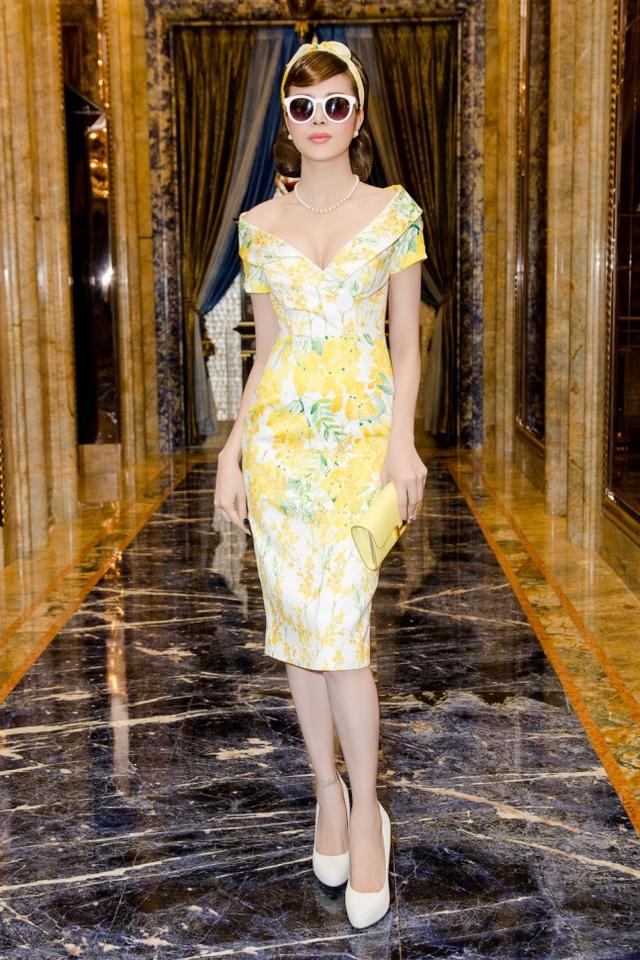 Hoa hậu Sella Trương cùng dàn sao việt dự show của NTK Adrian Anh Tuấn - Ảnh 2.