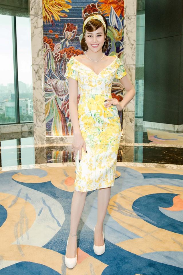Hoa hậu Sella Trương cùng dàn sao việt dự show của NTK Adrian Anh Tuấn - Ảnh 3.