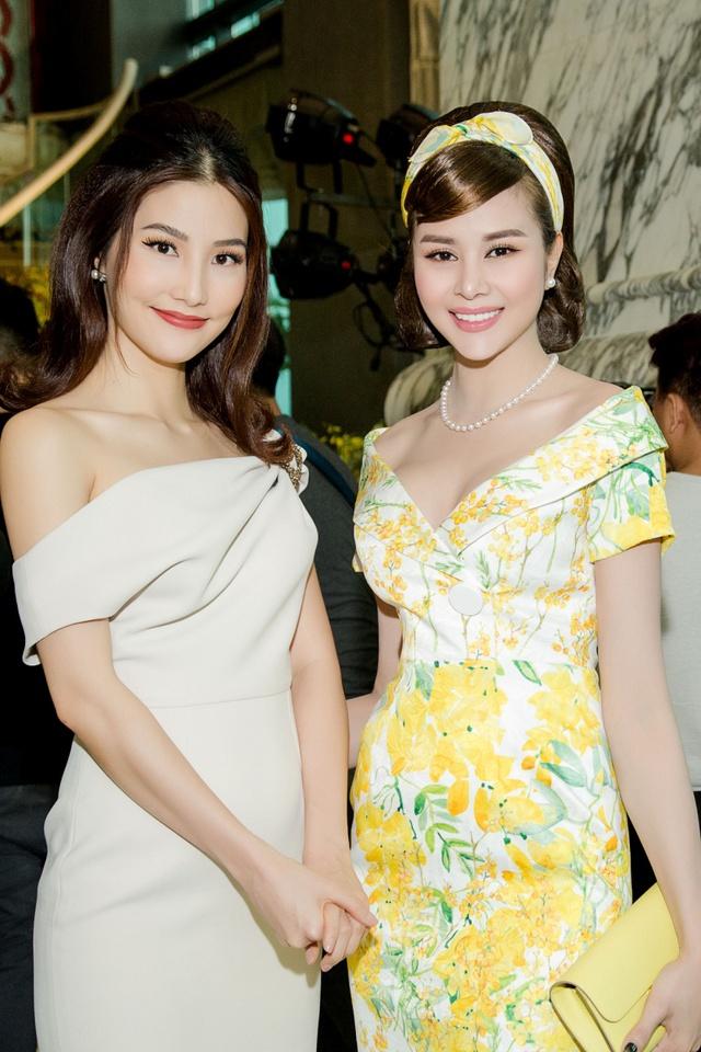 Hoa hậu Sella Trương cùng dàn sao việt dự show của NTK Adrian Anh Tuấn - Ảnh 7.