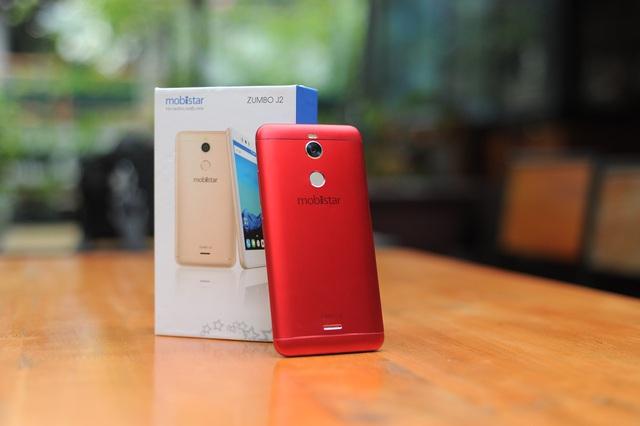 Hotboy FapTV xuất hiện cuốn hút bên smartphone selfie màu đỏ sang chảnh - Ảnh 3.