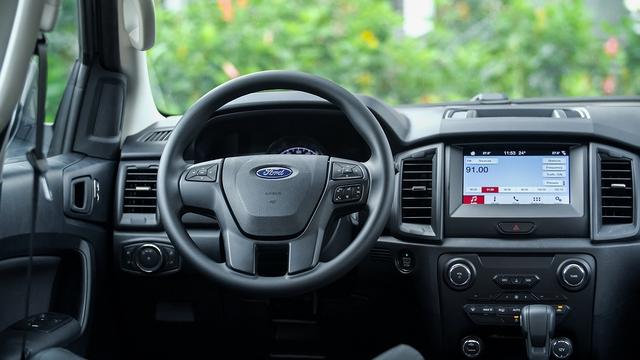 Ford Everest Ambiente - Bạn đồng hành lý tưởng trên mọi nẻo đường - Ảnh 1.