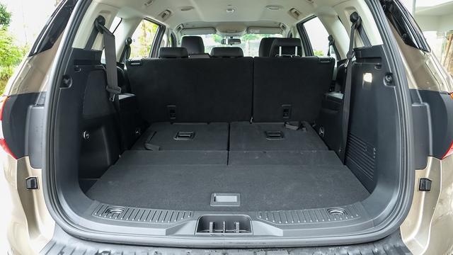 Ford Everest Ambiente - Bạn đồng hành lý tưởng trên mọi nẻo đường - Ảnh 2.