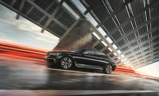 Động cơ V12 trên BMW M760Li xDrive - Trái tim mãnh hổ dẫn dắt cảm xúc người cầm lái - Ảnh 1.
