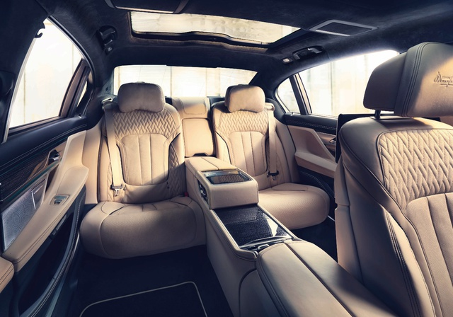 Động cơ V12 trên BMW M760Li xDrive - Trái tim mãnh hổ dẫn dắt cảm xúc người cầm lái - Ảnh 4.