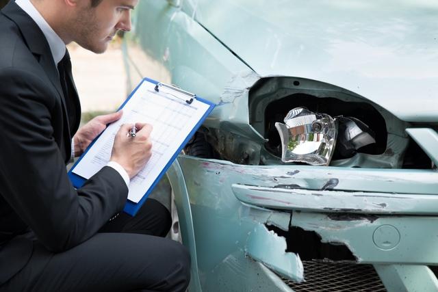 Thị trường ô tô trên đà tăng trưởng, nhu cầu bảo hiểm xe vì thế cũng tăng vọt - Ảnh 1.