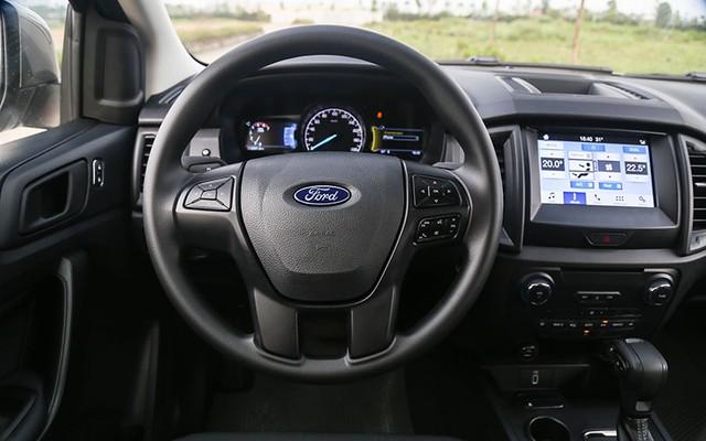 Hai CEO kinh doanh vận tải đánh giá SUV 7 chỗ Ford Everest Ambiente AT - Ảnh 3.