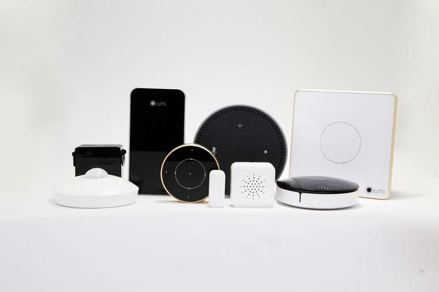 Trọn bộ sản phẩm giải pháp nhà thông minh điều khiển bằng giọng nói.