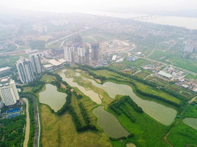 Sân golf Ciputra có lại giá trị đầu tư lớn cho 1 số bất động sản gần kề.