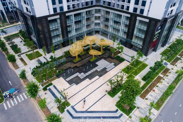 Cảnh quan quảng trường nước - Dự án Goldmark city-136 Hồ Tùng Mậu, Hà Nội.