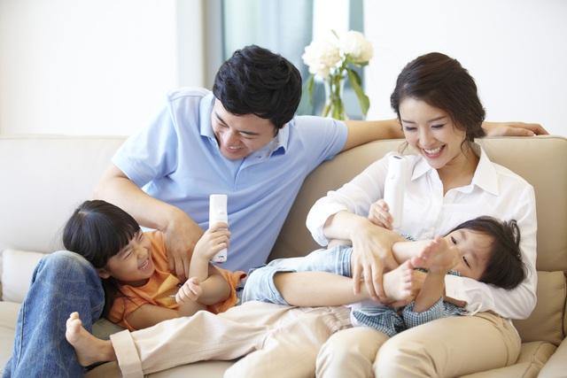Với sản phẩm bảo hiểm Manulife - Điểm Tựa Đầu Tư, khách hàng và gia đình khách hàng được bảo vệ toàn diện trước rủi ro của cuộc sống, giúp kế hoạch đầu tư càng bền vững. Nguồn: ShutterStock.