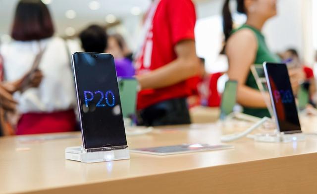 Cửa hàng trải nghiệm đầu tiên của Huawei đã có mặt ở Hà Nội: Mate RS Porsche Design, Matebook X Pro và hơn thế nữa… - Ảnh 2.