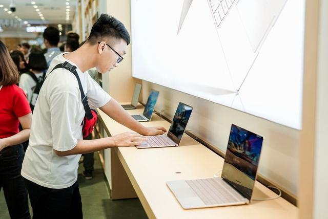 Cửa hàng trải nghiệm đầu tiên của Huawei đã có mặt ở Hà Nội: Mate RS Porsche Design, Matebook X Pro và hơn thế nữa… - Ảnh 13.