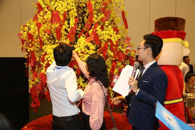 Gần 2.000 khách hàng chen chân tham dự Lễ công bố dự án Sunshine City Sài Gòn - Ảnh 5.