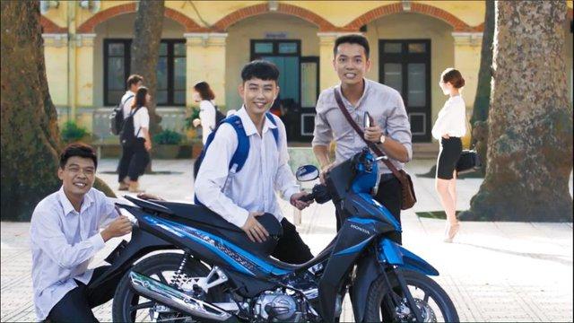 Cười té ghế với Minh Tít và Trung Ruồi phiên bản đại học - Ảnh 12.