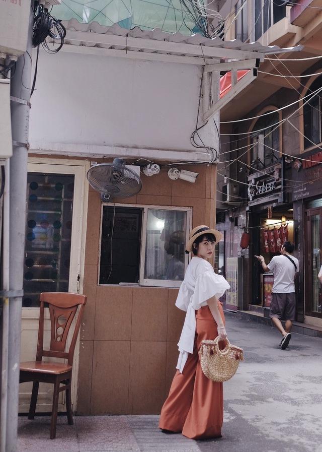 Hội con nhà giàu và những cô nàng sành điệu nhất Sài Gòn mặc gì? - Ảnh 6.