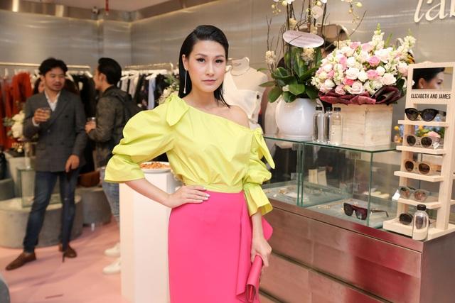 Hội con nhà giàu và những cô nàng sành điệu nhất Sài Gòn mặc gì? - Ảnh 11.