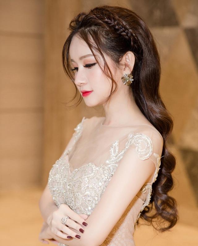 Á hậu Huyền Cò xinh đẹp lộng lẫy tại sự kiện - Ảnh 7.