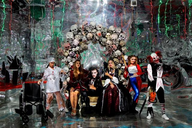 Lạc vào thế giới hắc ám vui nhộn tại Sun World Ba Na Hills mùa Halloween - Ảnh 9.