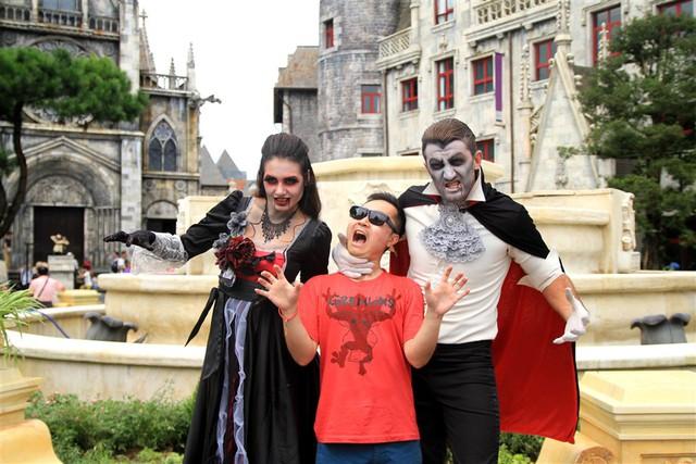 Lạc vào thế giới hắc ám vui nhộn tại Sun World Ba Na Hills mùa Halloween - Ảnh 10.