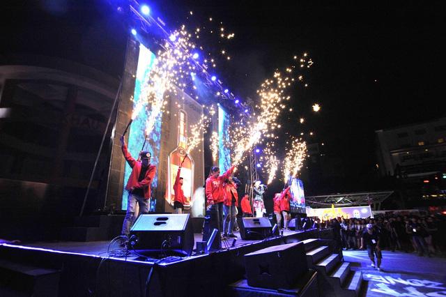"""Nhìn lại """"hơi thở nghệ thuật thành thị ngập tràn tại #VERYSPECIAL URBAN FEST - Ảnh 9."""