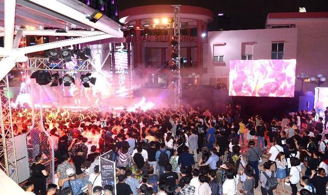 """Nhìn lại """"hơi thở nghệ thuật thành thị ngập tràn tại #VERYSPECIAL URBAN FEST - Ảnh 12."""