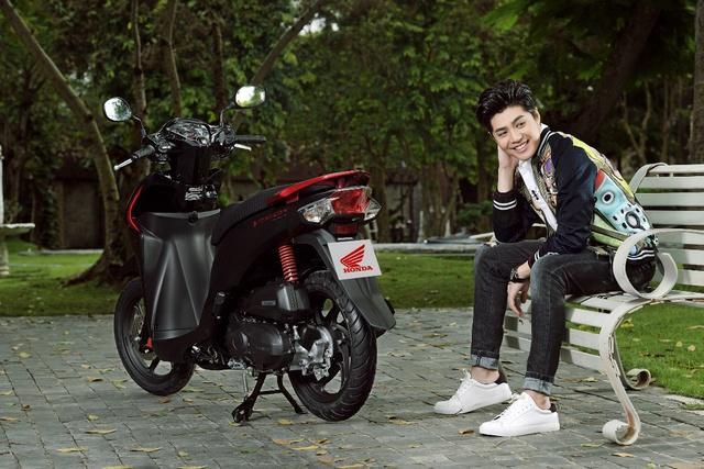 Noo Phước Thịnh, Tóc Tiên bất ngờ khoe cá tính với phong cách trẻ trung, năng động - Ảnh 4.